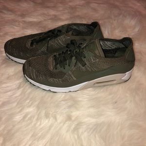 Men's Nike Air Max 90 Flyknit 'Medium Olive'